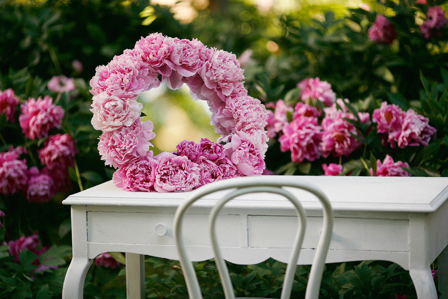 Romantic-spring-wedding-outdoor-venue-pink-peony-wedding-flowers.full