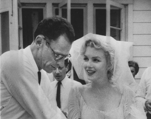 photo of marilyn monroe wedding