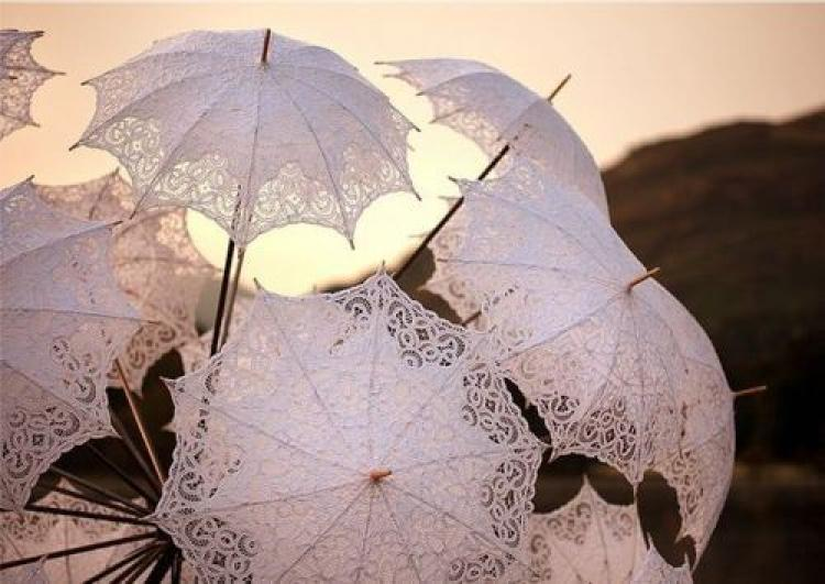 lace parasols for outdoor weddings