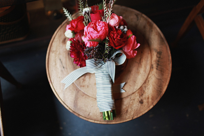 Gorgeous-bridal-bouquet-pink-red-stripes.full
