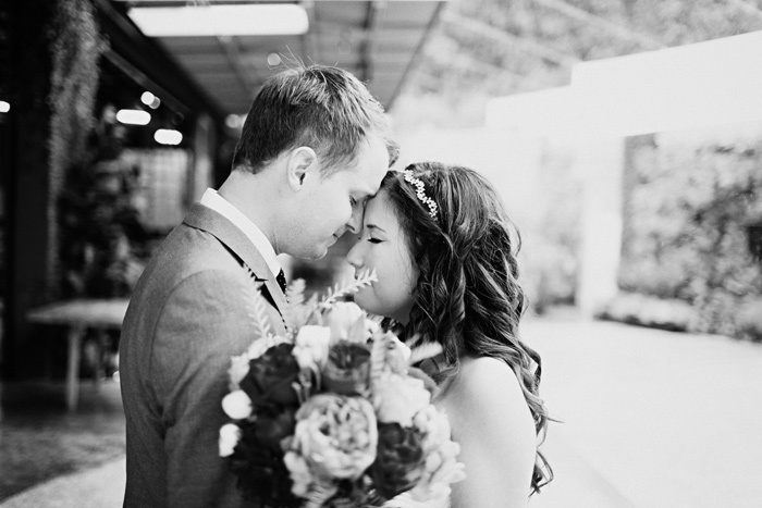Bride-groom-embrace-romantic-wedding-photos.full
