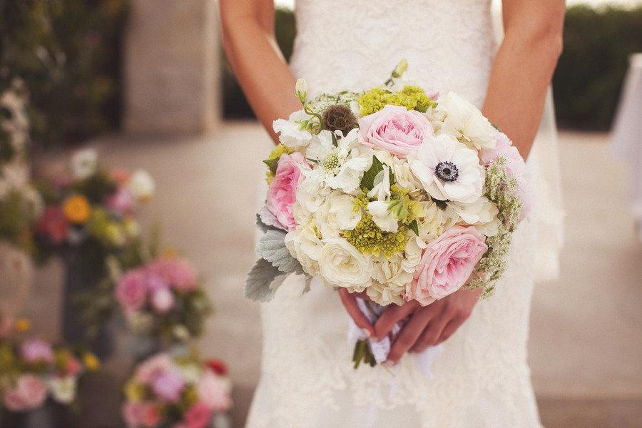 Light Pink Roses Wedding Bouquets : Favorite bridal bouquets for spring light pink ivory roses
