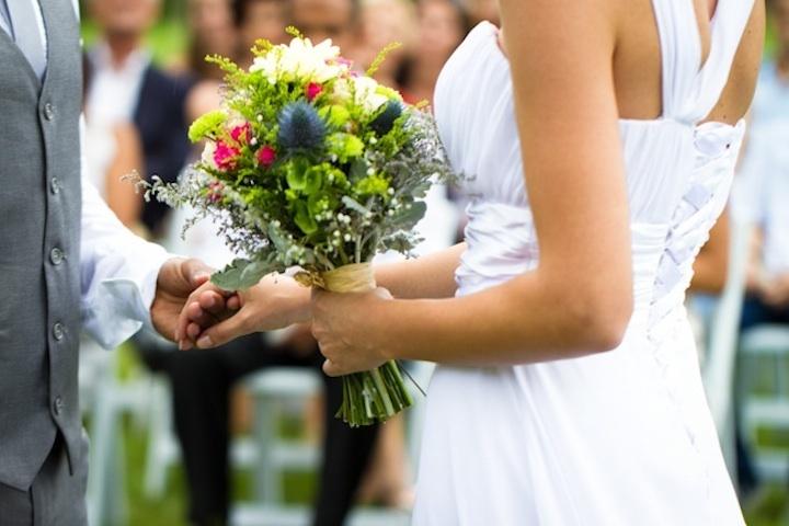 Romantic-outdoor-wedding-spring-wedding-inspiration-bride-groom-vows.full