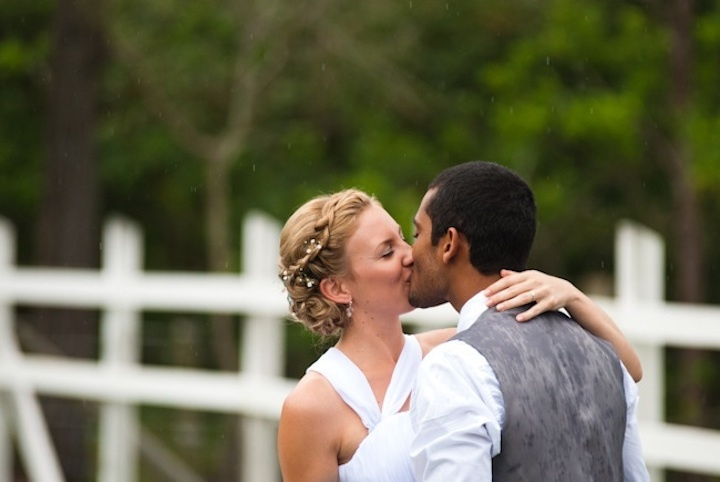 Romantic-outdoor-wedding-spring-wedding-inspiration-bride-groom-kiss.full