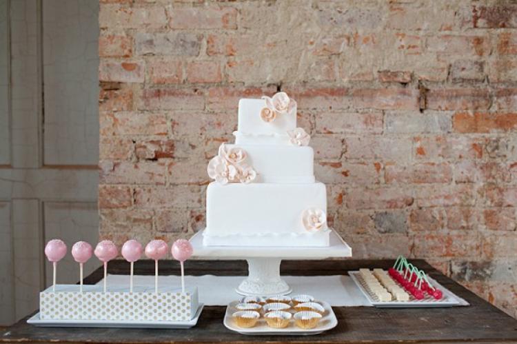 Pretty-romantic-wedding-cakes-6.full