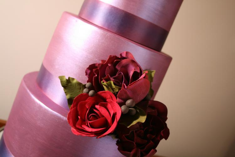 Pretty-romantic-wedding-cakes-11.full