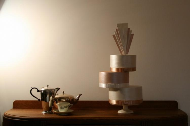 Pretty-romantic-wedding-cakes-15.full