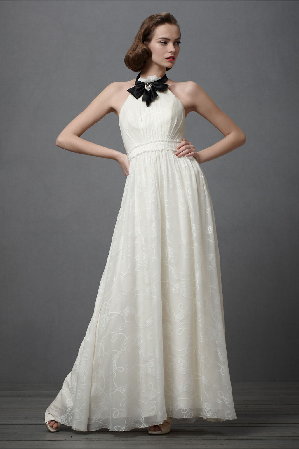 Vintage-inspired-wedding-dress-ivory-silk-black-bridal-jewelry.full