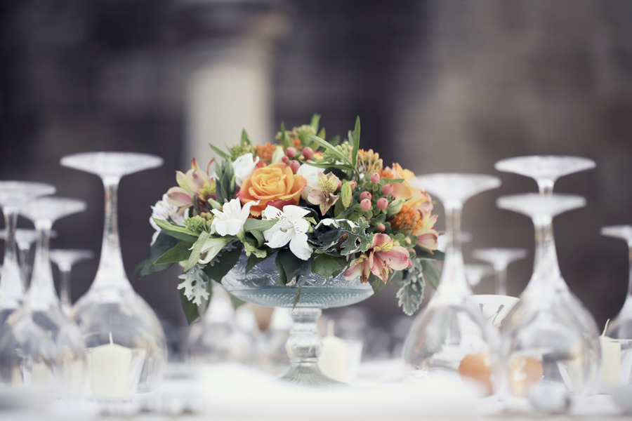 Romantic-garden-wedding-reception-centerpieces-peach-orange-green-white.full