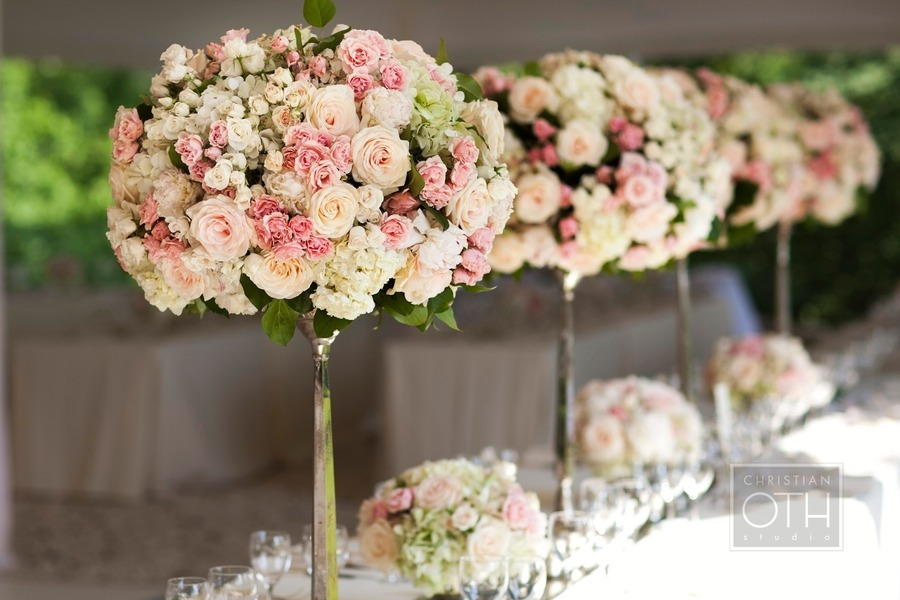 Romantic-garden-wedding-flowers-pink-ivory-topiaries.full