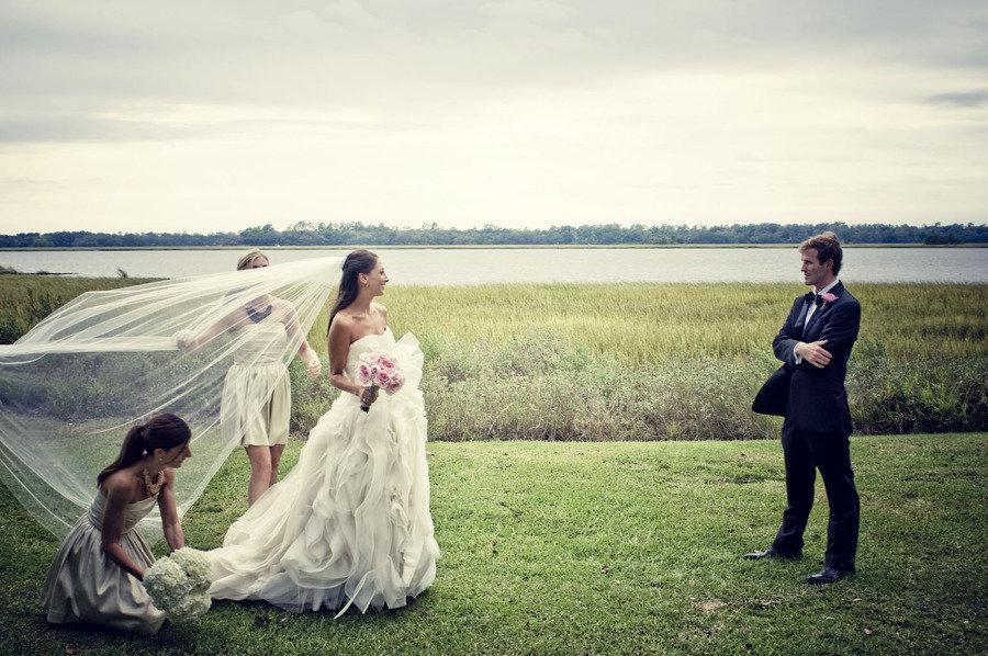 Bride-groom-first-look-lux-outdoor-wedding.full