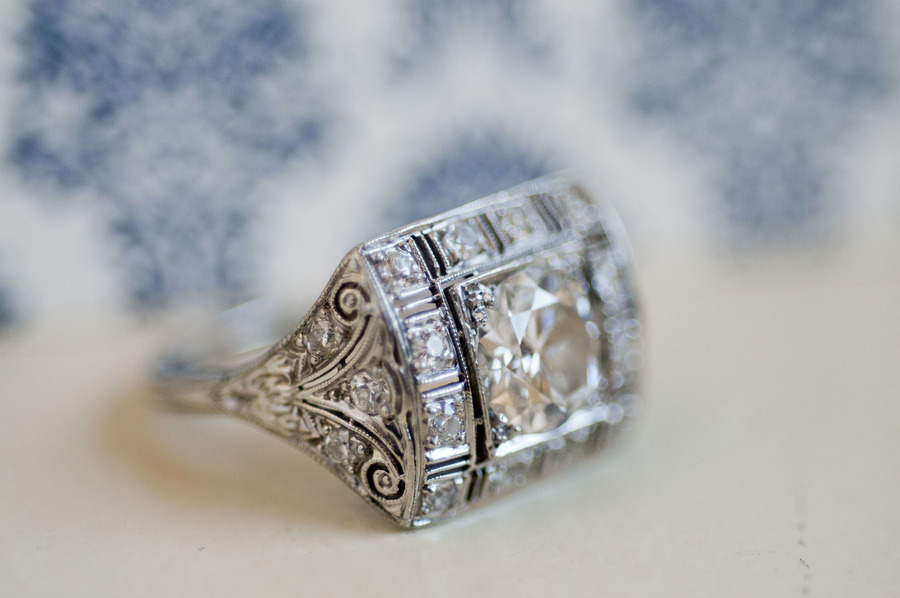 Vintage-inspired-engagement-ring.full