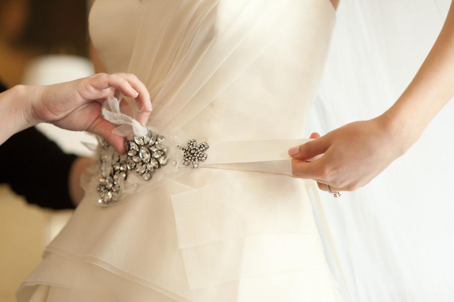 Beaded bridal sash vera wang wedding dress for How to make a beaded belt for a wedding dress