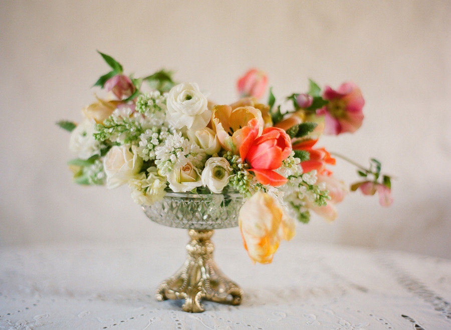 romantic spring wedding centerpiece 1