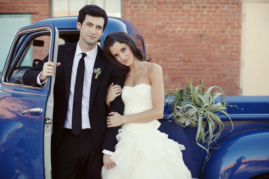 Low-key-real-wedding-bride-wears-ivory-sweetheart-wedding-dress.full