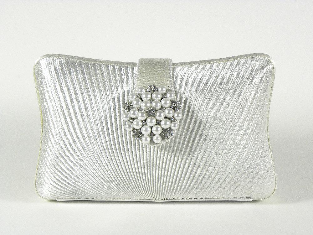 Elegant-silver-bridal-clutch.full