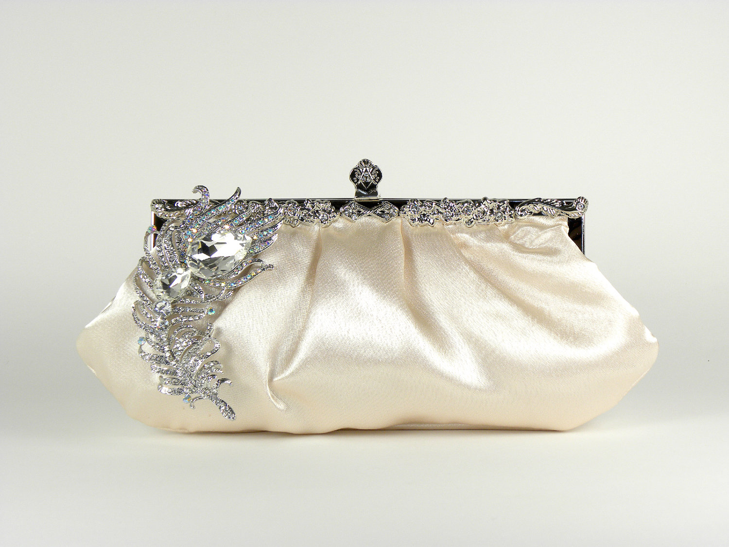 Luxe-bridal-clutch.original
