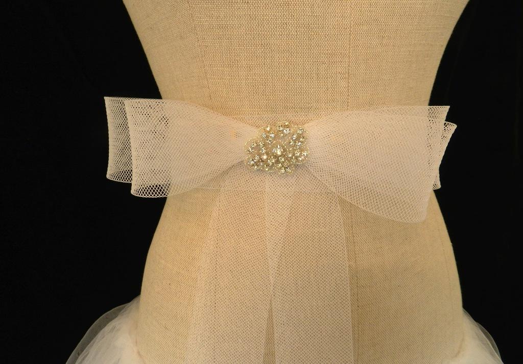 Bridal-sash-tulle.full