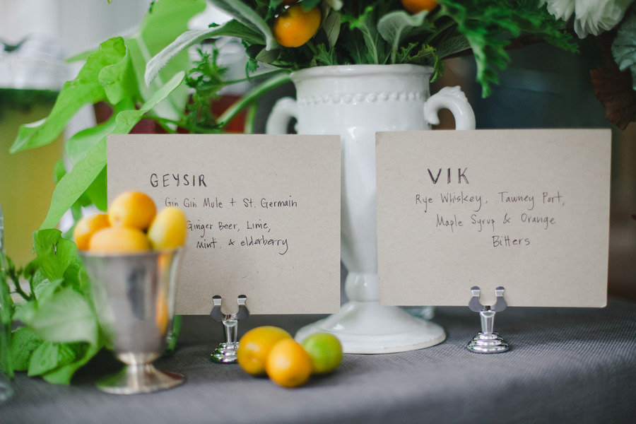 Yellow-green-wedding-decor-centerpieces-with-lemons.full