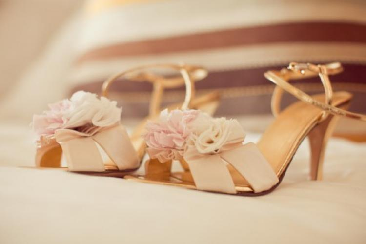 Rose-gold-wedding-shoes.full