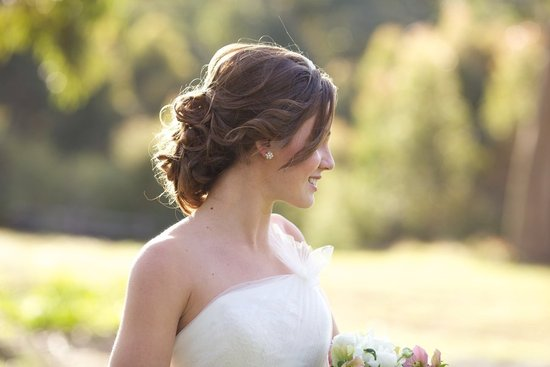 Beautiful bridal updo for vintage inspired wedding