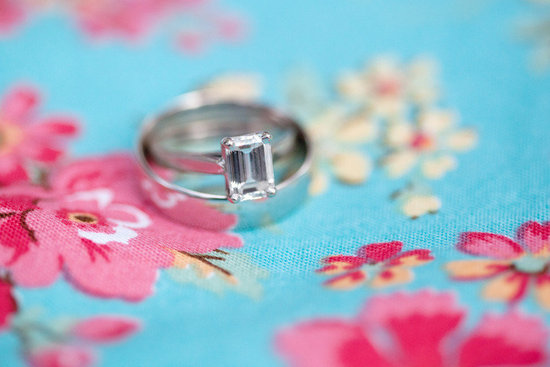 86 percent of women get engaged for the diamond engagement ring artistic wedding photo simple emeral
