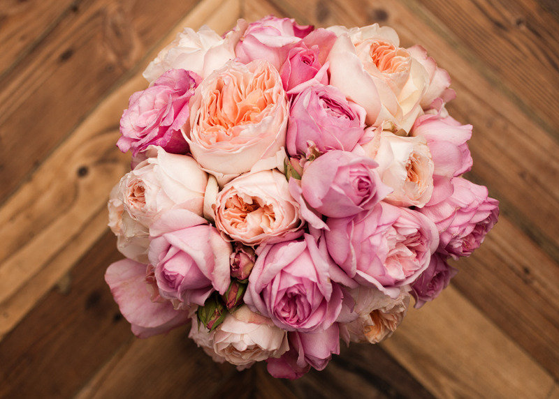 Romantic-pink-peach-bridal-bouquet-for-spring-summer-weddings.full