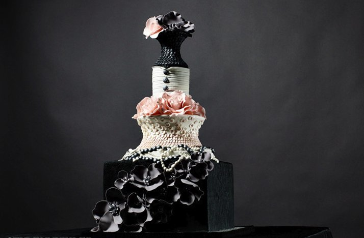 Chanel-inspired-wedding-cake.full