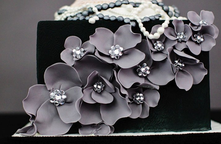 Modern-wedding-cake-black-grey.full