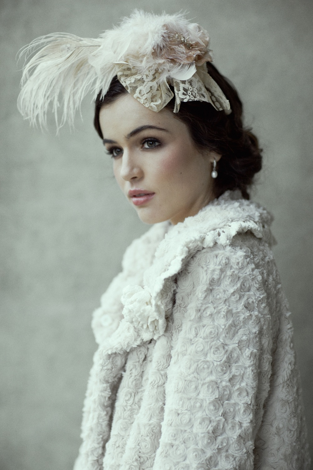 Romantic-bridal-accessories-winter-wedding-fur-cape-feather-hair-piece.original