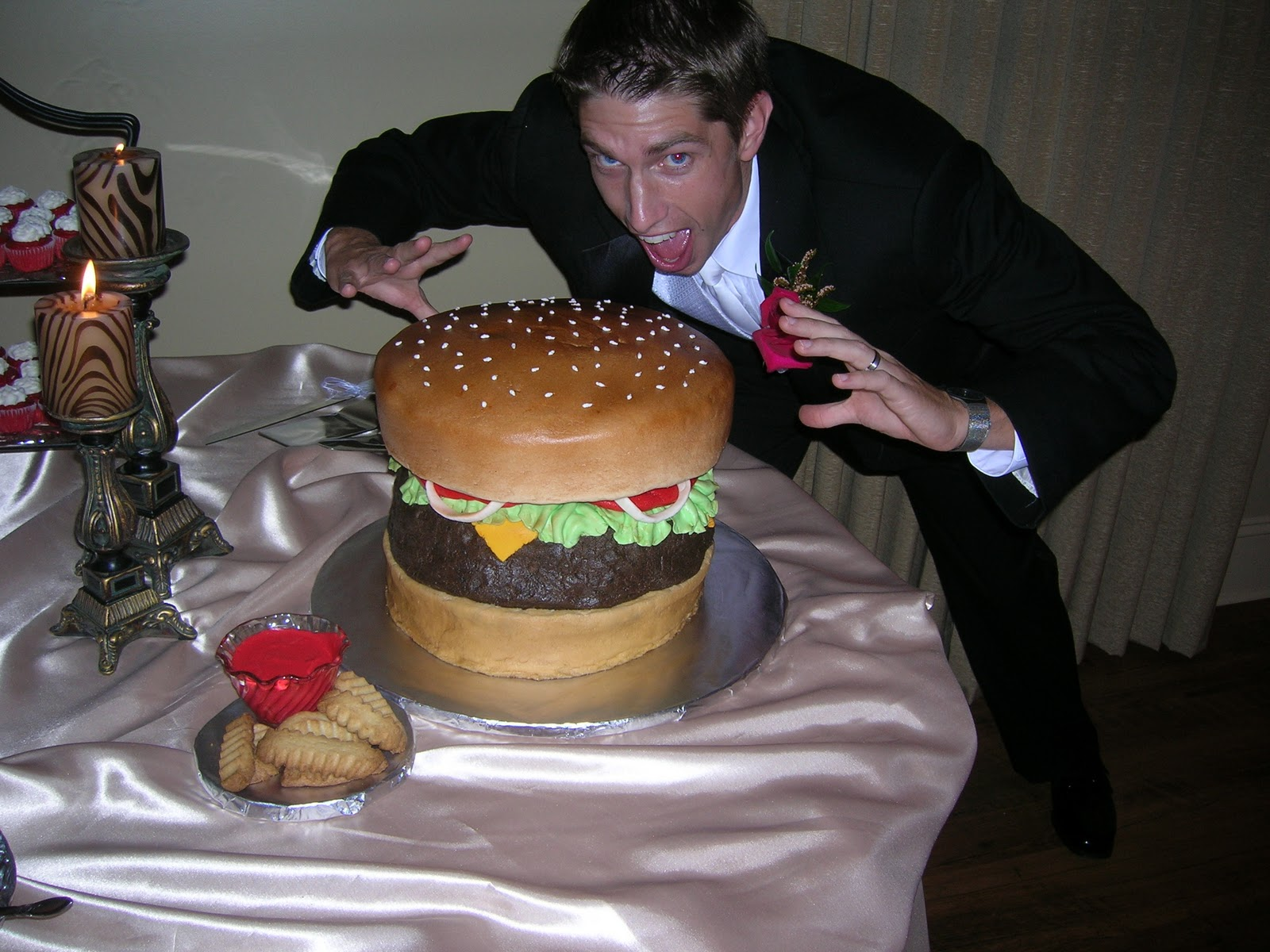 hamburger grooms cake. Black Bedroom Furniture Sets. Home Design Ideas
