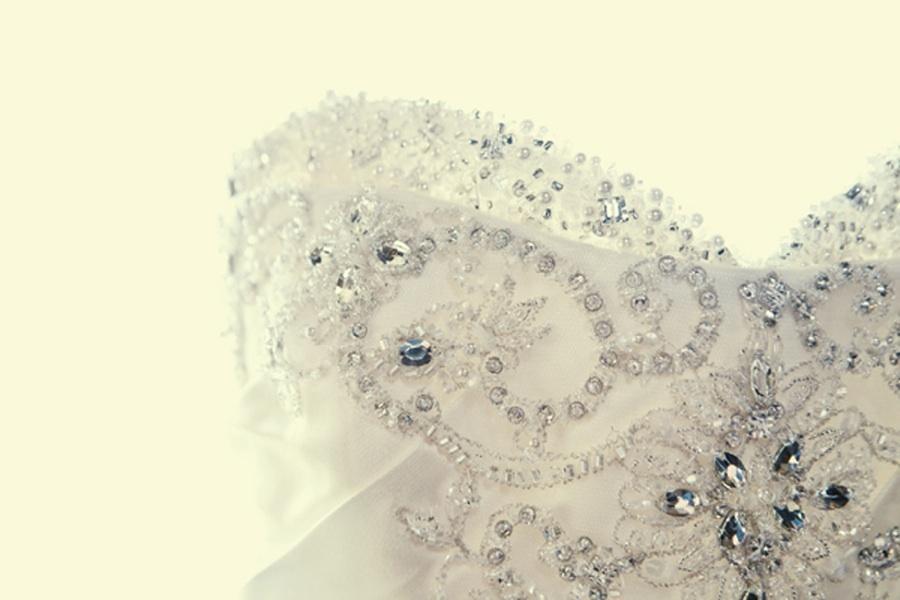 Wedding-dress-detail-shot-artistic-wedding-photography.full