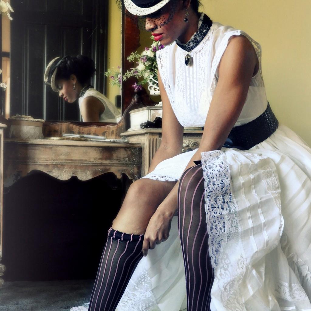 Offbeat-wedding-style-steampunk-wedding-dress.full