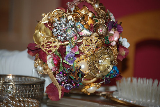 ornate vintage brooch bridal bouquet