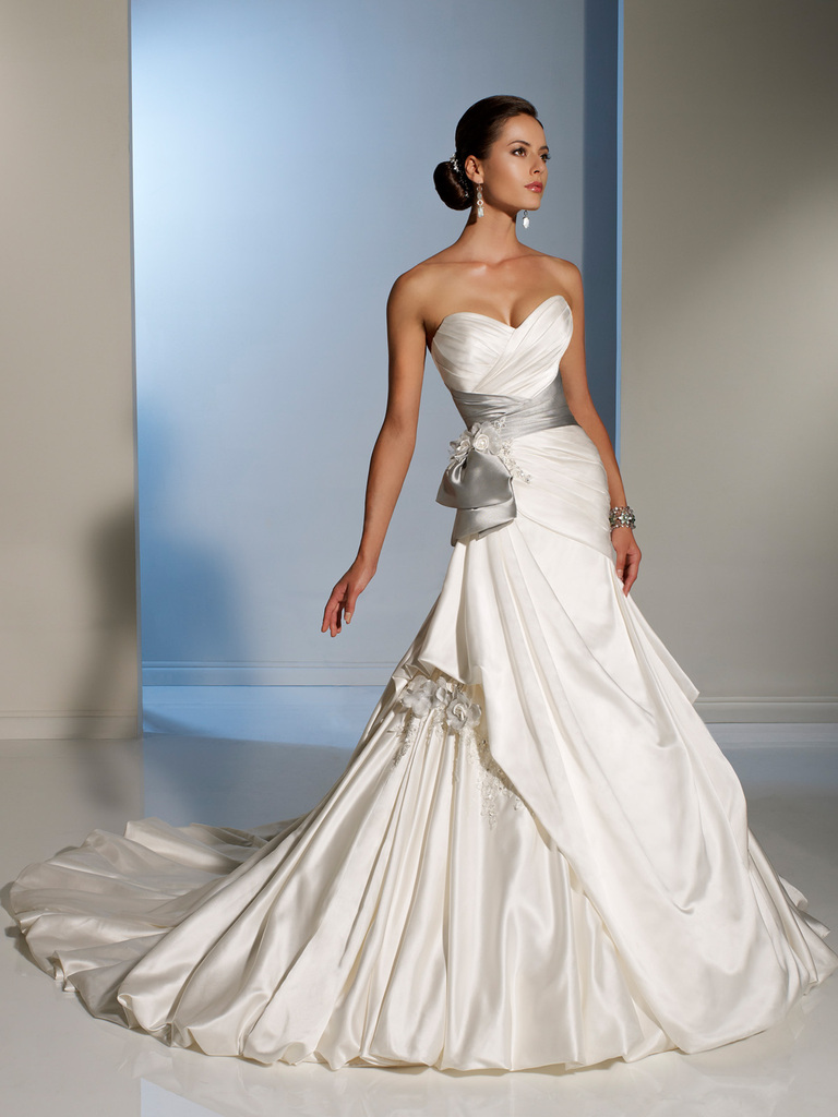 photo of 2012 wedding dress sophia tolli for mon cheri bridal gowns Y11201
