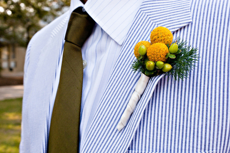 Groom-wears-seersucker-suit-yellow-bout.full