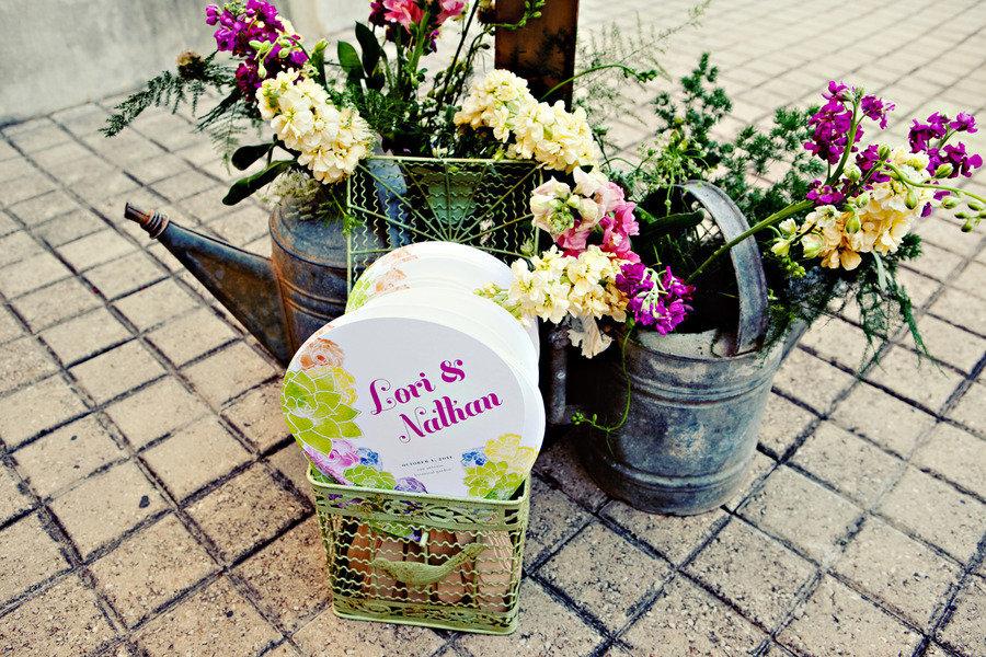 Diy-wedding-favors-wedding-flower-centerpieces.full