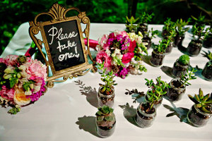 photo of Bright Botanical Garden Wedding