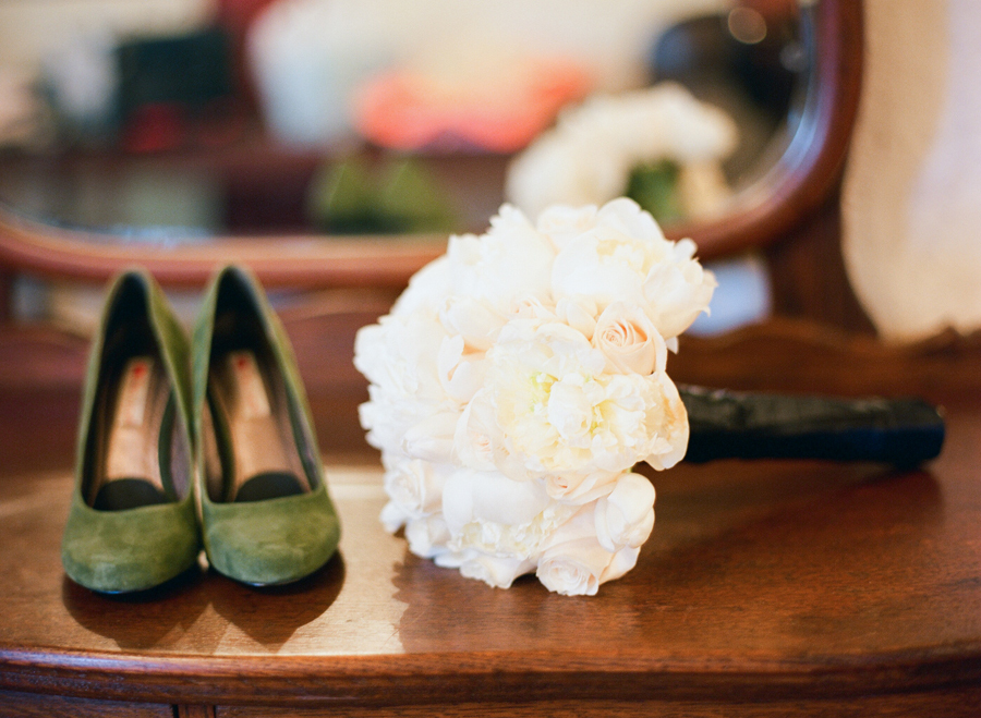 All-white-bridal-bouquet-green-wedding-shoes.full