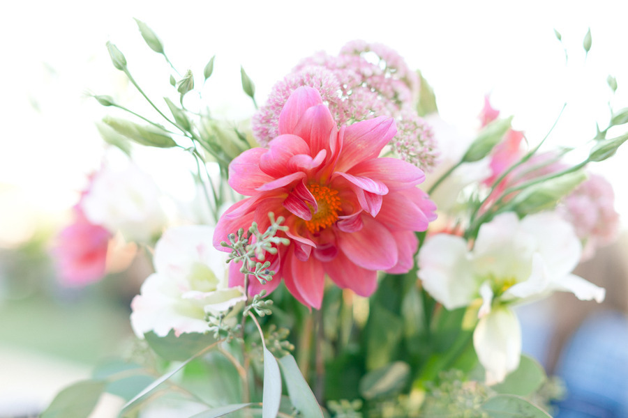 Weddings-by-color-pretty-pink-wedding-flowers-centerpieces.full
