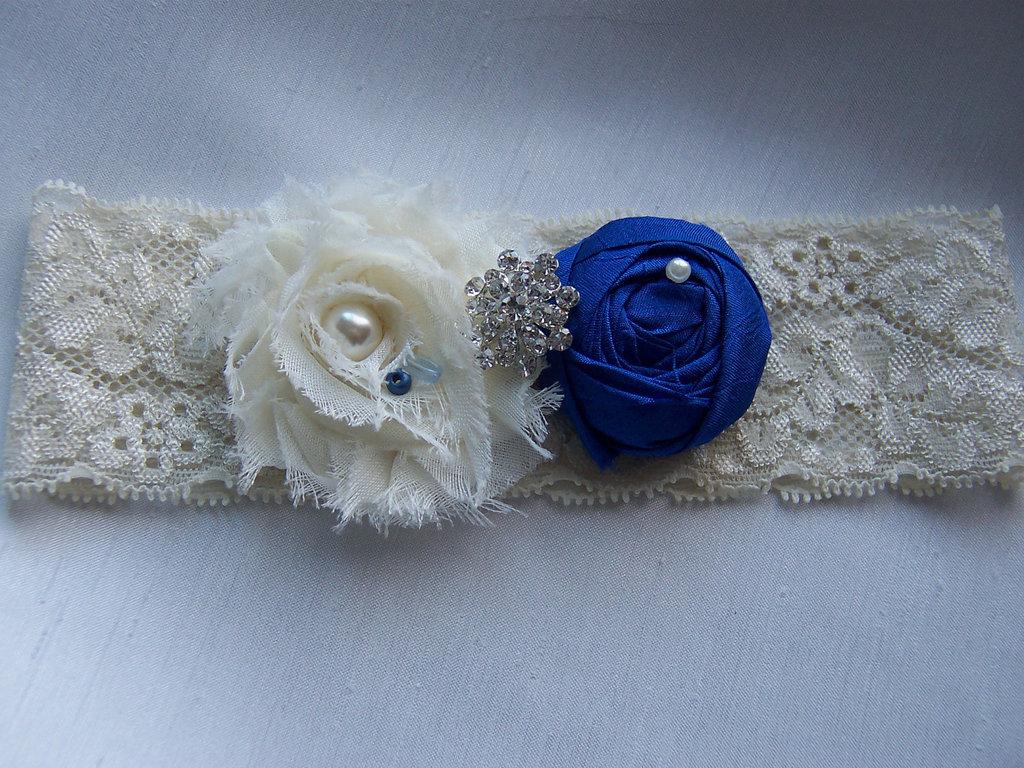 Bridal-style-wedding-ideas-something-blue-etsy-bridal-garter.full