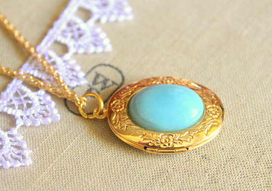 Make your Something Blue one of a kind! Vintage-inspired amazonite locket