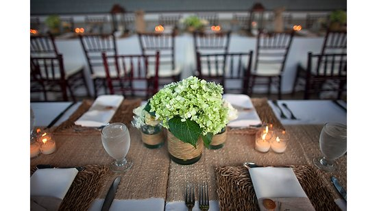 rustic chic wedding ideas burlap decor details reception tablescape centerpieces