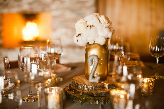Stunning wedding reception tablescapes with gold & ivory