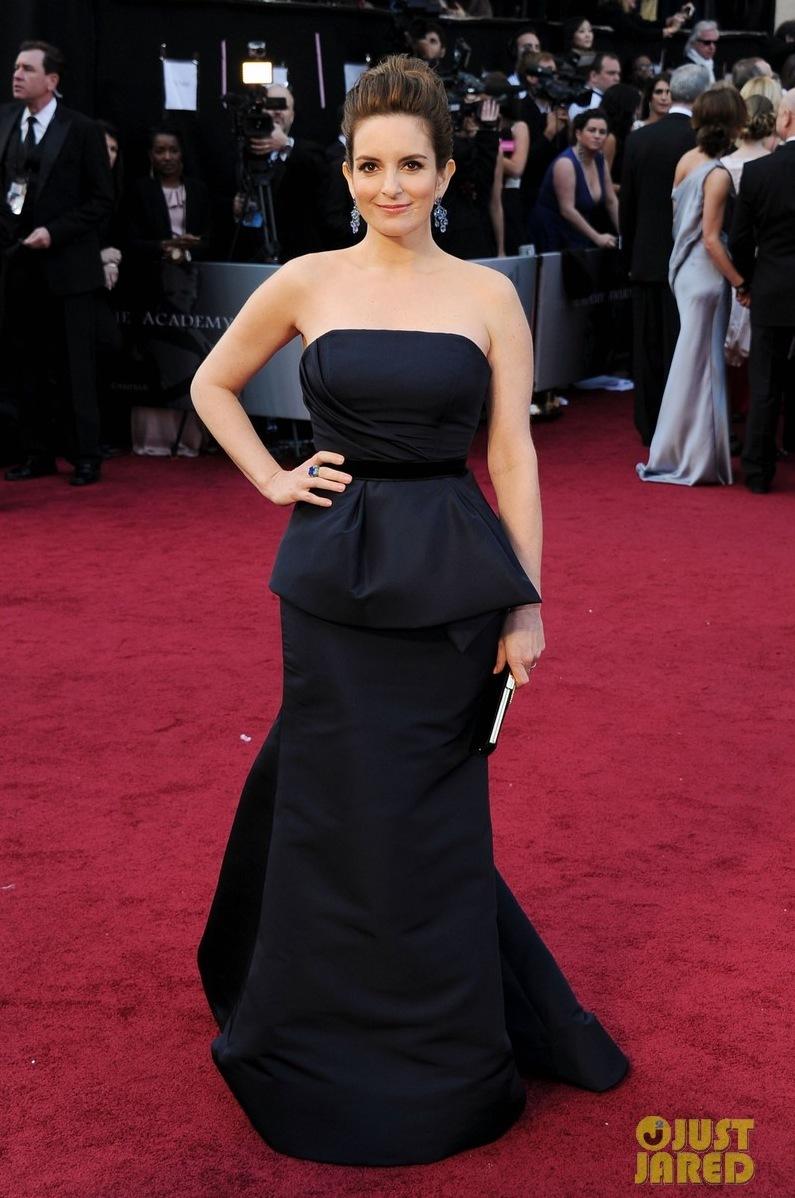 Tina-fey-oscars-2012-red-carpet-01.full