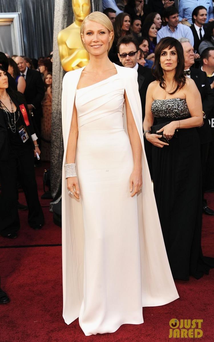Gwyneth-paltrow-oscars-2012-red-carpet-02.full