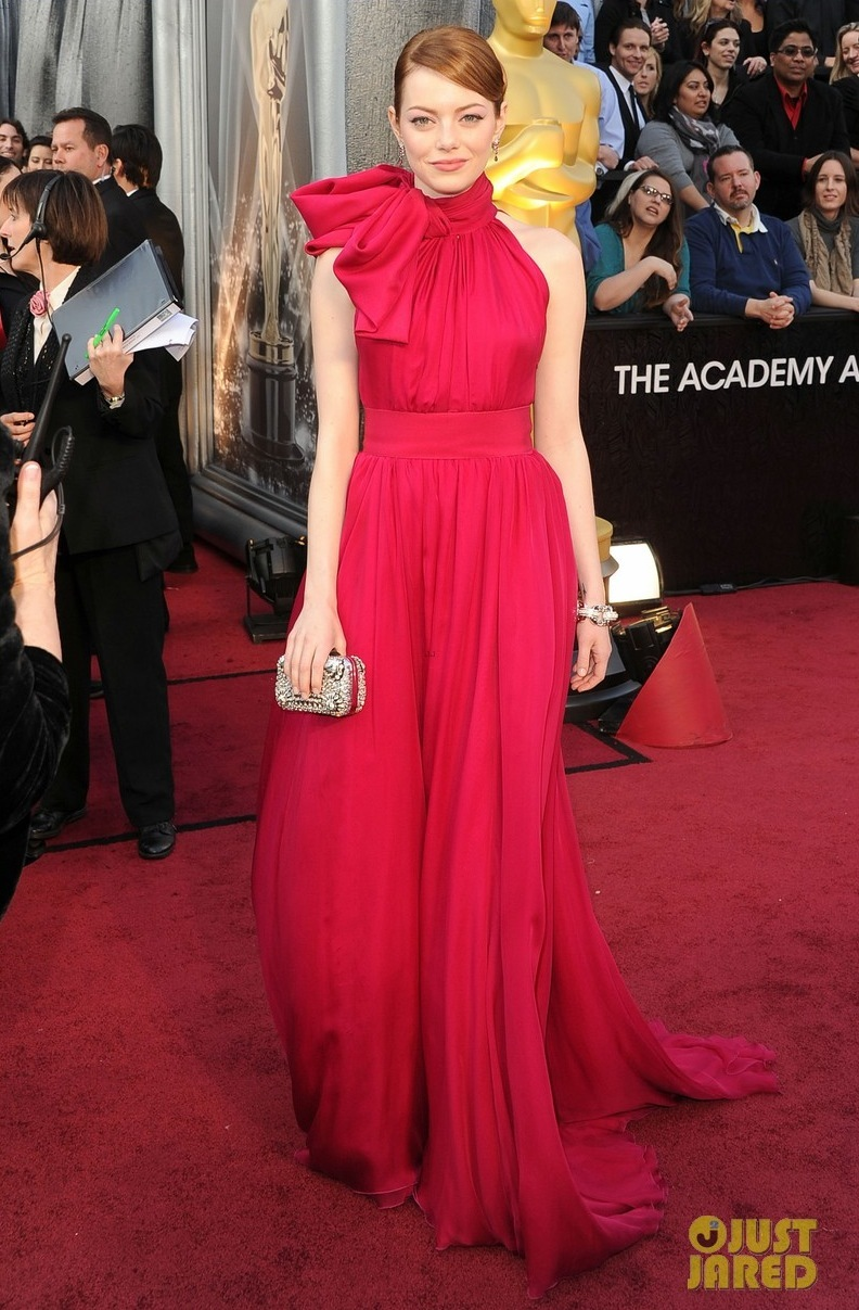 Emma-stone-oscars-2012-red-carpet-01.full