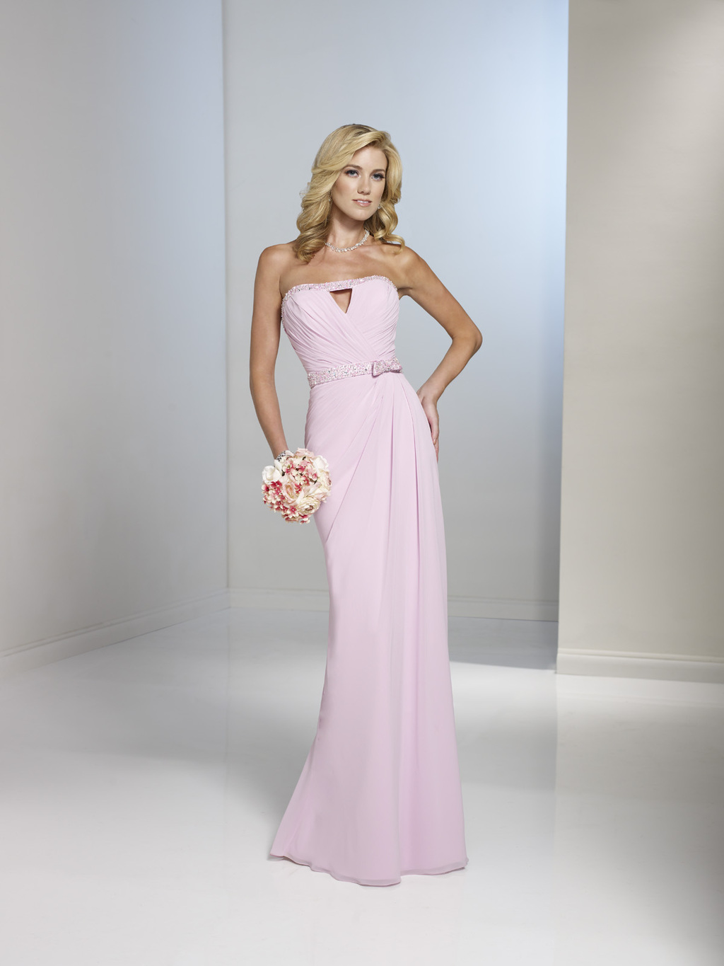 Chic-mother-of-the-bride-dresses-wedding-fashion-dos-and-donts-mon-cheri-2.full