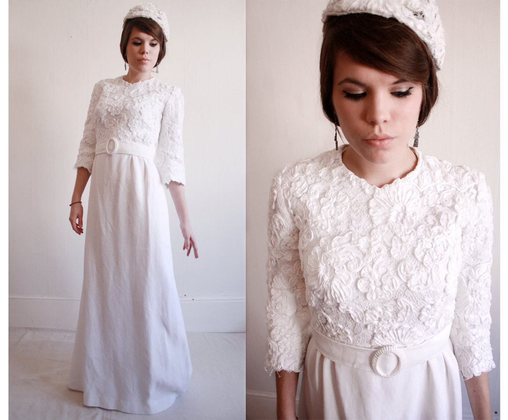 Vintage-sleeved-wedding-dress.full