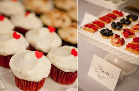 unique wedding reception desserts wedding cupcakes